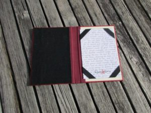 E-Reader-Hülle aus altem Buch