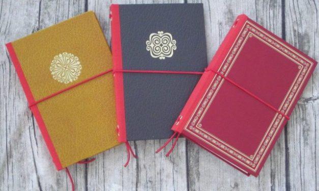 Fauxdoris aus Jeans und alten Büchern